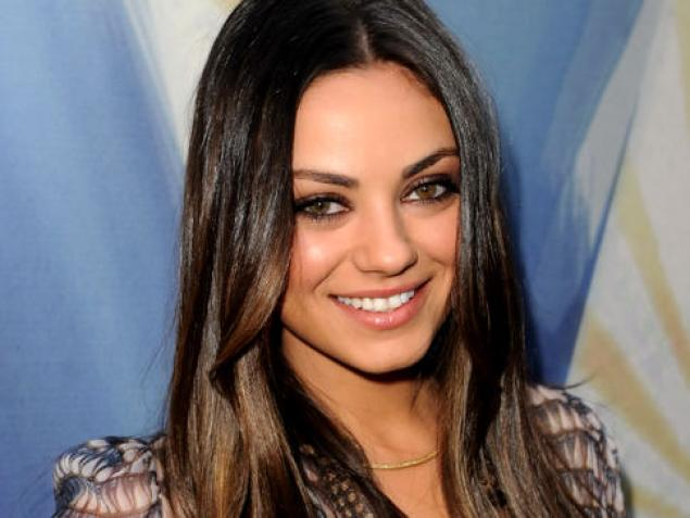 Mila Kunis Discloses Her Pregnancy, Engagement To Ashton Kutcher