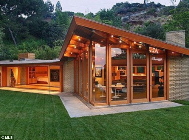 These bungalows of celebrities explain how luxurious life they live2