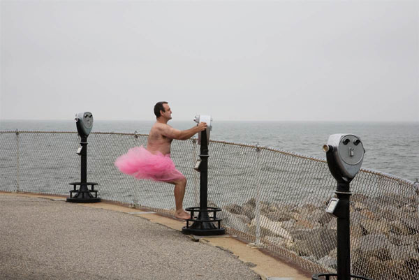 an wears pink tutu to support his dying wife2