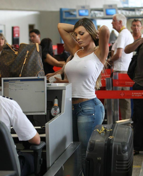 7 times when Airport Security got Awkward1